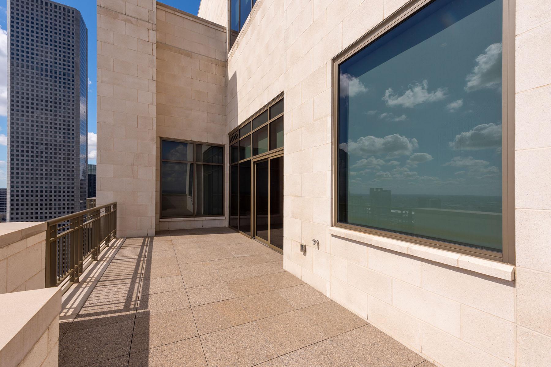 Type East: Balcony