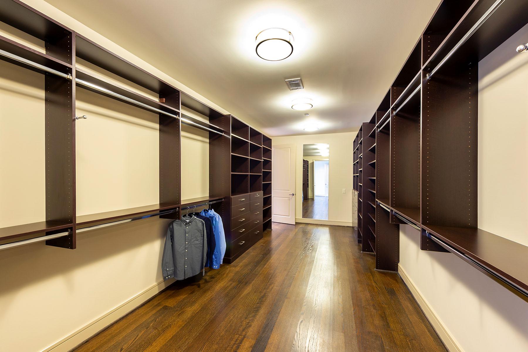Type South: Closet