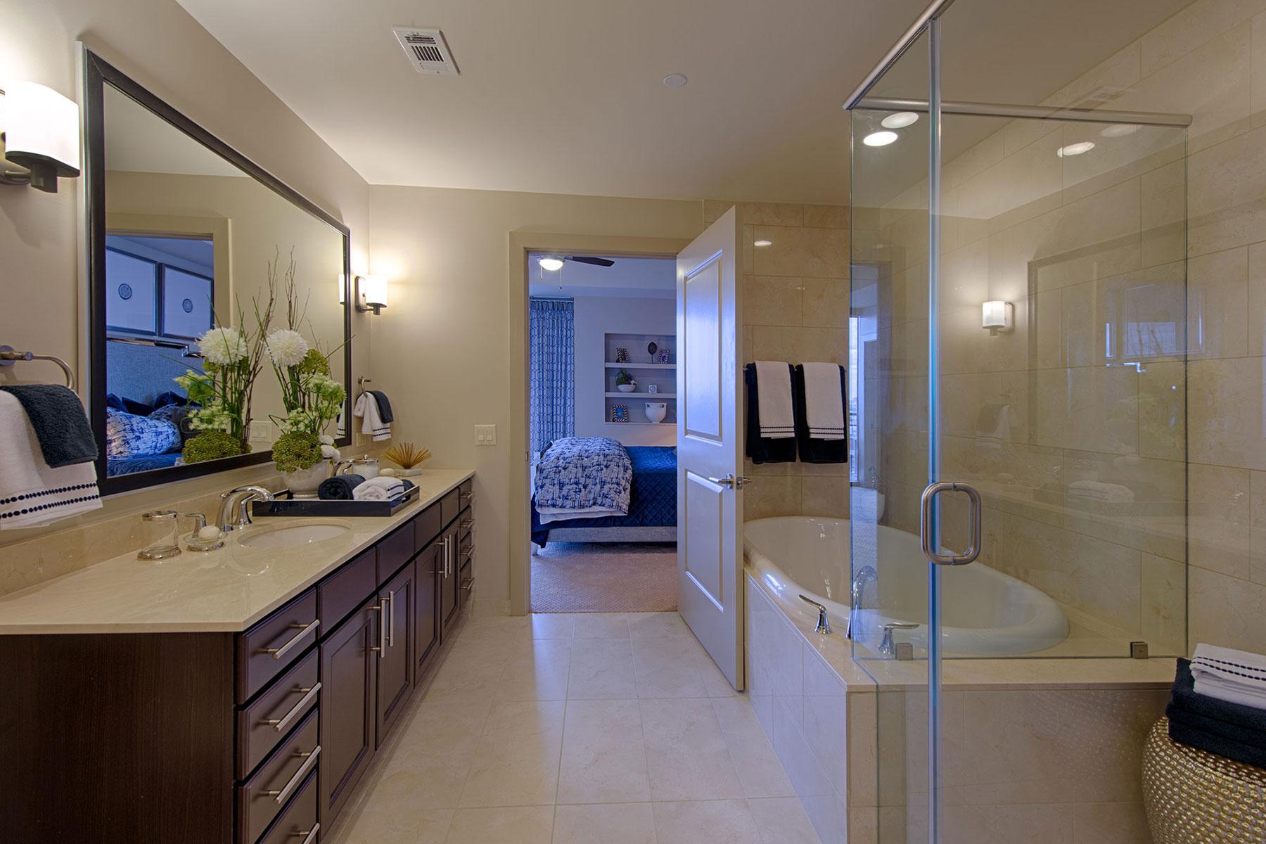 MST 2 Bdrm Luxury Master Bath